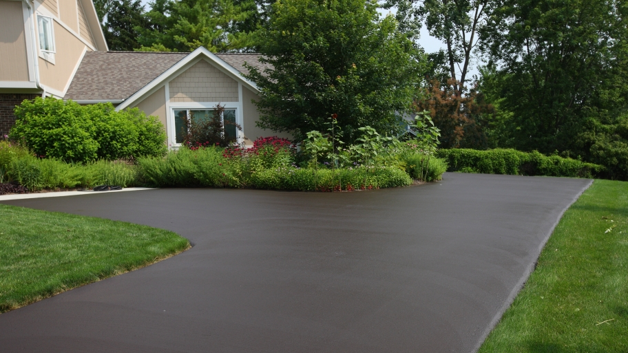 How To Hire An Asphalt Driveway Paving Contractor