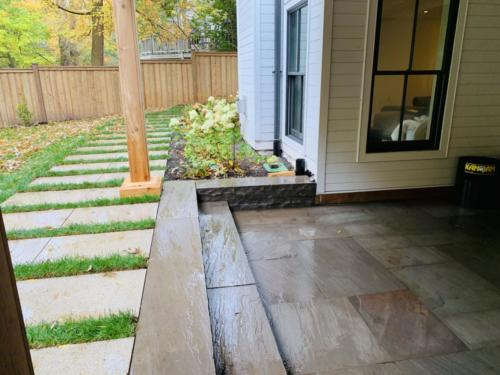 BANAS STONE BACK PATIO